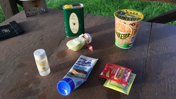 Aliments de base en bivouac