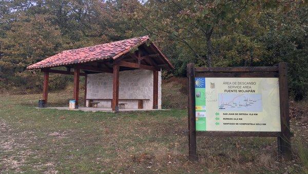 Fuente de Mojapan à Villafranca Montes de Oca