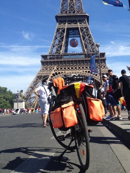 Tour Eiffel à vélo