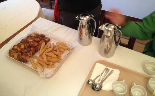 Le petit déjeuner des pèlerins aux Reyes Catolicos