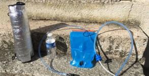 Poches à eau ou bouteille avec tuyau ?