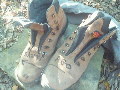 Chaussures abandonnées sur le Camino