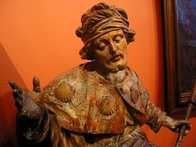 Statue de Saint-Roch couvert de coquilles