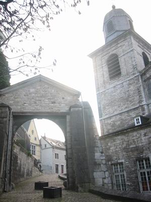 Andenne : la collégiale Sainte Begge