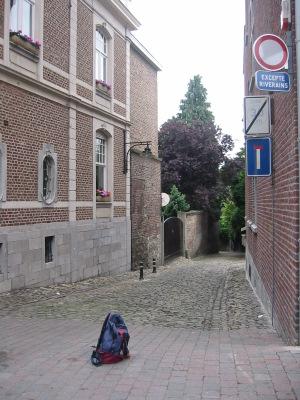 Visé : ruelle pavée entre rue Haute et rue Basse