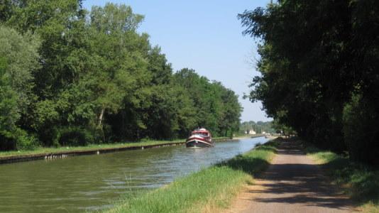 Canal parallèle à la Loire