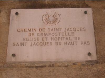 Plaque rue Saint Jacques, devant l'église du même nom (mais pas dédiée au même Saint)