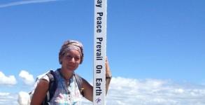 Peace pole - totem de la paix à Fisterra
