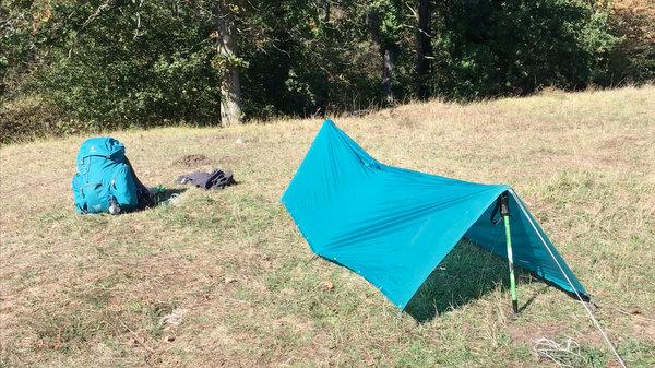 Tarp en forme de tente canadienne